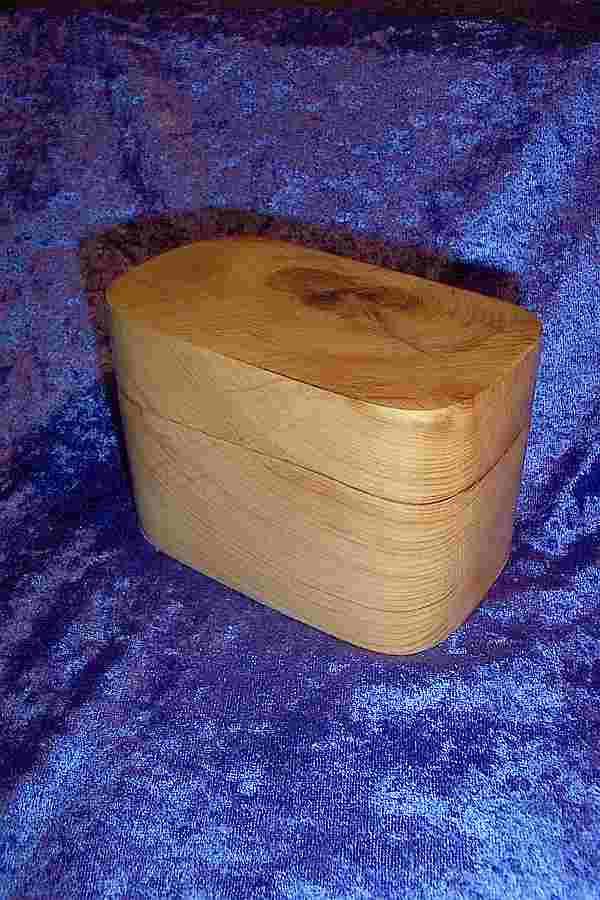 LARGE PILL BOX - YEW
