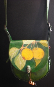 GREEN LEATHER SHOULDER BAG WITH FRUIT DETAIL